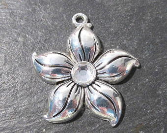 38mm Silver Flower Pendant Rhinestone New Old Stock Silver One (1) 38mm Flower Rhinestones Jewelry Wedding Supplies Finding (G22)