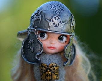 OOAK Silver Helmet Blythe Hat Helmet OOAK Blythe Hat Fantasy Hat for Blythe Armor Outfit Blythe Gold Hat Blythe armor