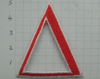 Clearance~ lot 60 pcs Iron-On embroidered applique red TRIANGLE 2 inch
