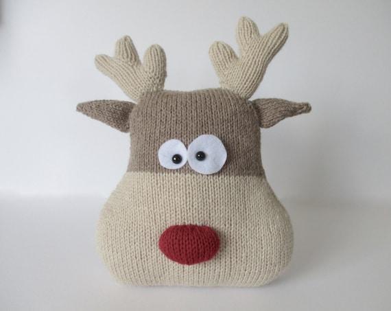 Reindeer Knitting Patterns : Reindeer Cushion Knitting Patterns