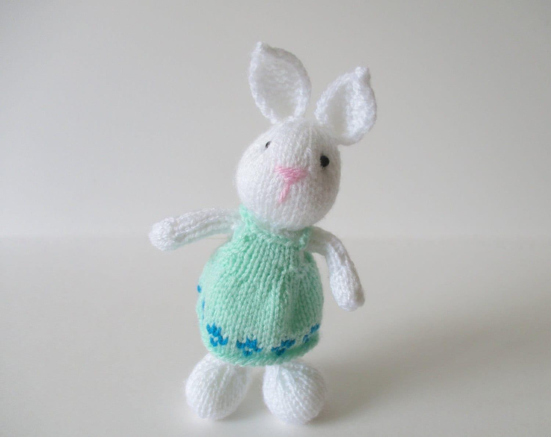 Rabbit Knitting Pattern Toy : Bramble bunny toy knitting patterns