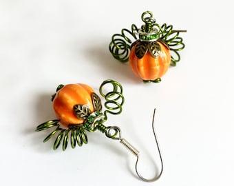 Pumpkin Earrings >> Fall Earrings, Autumn Earrings, Halloween Earrings, Festive Earrings, Thanksgiving Earrings, Pumpkin Patch, Orange Green