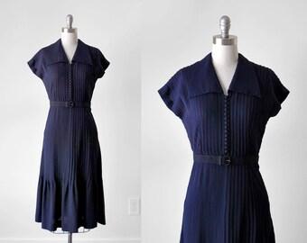 40's pleated dress. navy blue. 1940's collared dress. buttons. medium. 40 rayon dress. blue.