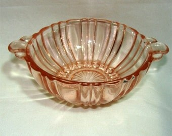 1936 Depression HOCKING Rare Berry Bowl w/ Handles OLD CAFE in Pink