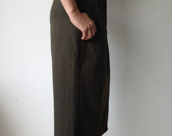perfect condition VINTAGE waisted COTTON belted military green skirt