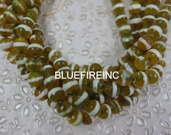 37 pcs 10mm round faceted Olive green with white strips Tibetan agate beads