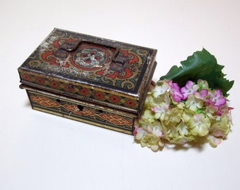 Toleware Tin Hinged Box with Handle Made In England