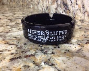 Black Glass Vintage Las Vegas Silver Slipper Gambling Hall And Saloon Ashtray