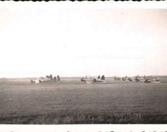 Vintage Photo, World War II Planes on Air Field, Bombers, Black & White Photo, Military, Found Photo, Snapshot, Old Photo    AUGUSTINE1109