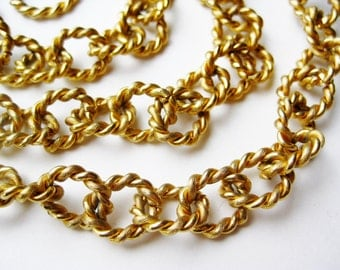 Vintage Carolee Long Flapper Girl Gold Rope Chain Link Toggle Clasp Necklace