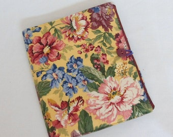 Fabric Planner Cover Day Planner Notebook Cover Small Notebook Cover Journal Cover Pockets for Pens and Pencils Handmade Button Closure
