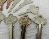 28 Decorative Vintage Keys