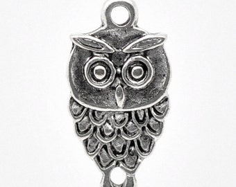 2pcs. Antique Silver Owl Halloween Charms Pendants - 18 x 9mm