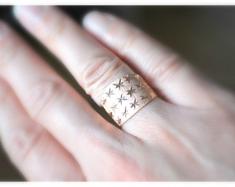 Solid 14K Rose Gold Star Band Ring