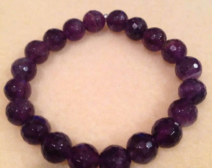 Cape Dogstooth Chevron Amethyst 10mm Faceted Round Stretch Bead Bracelet with Sterling Silver Accent - Deep Purple A Grade Amethyst