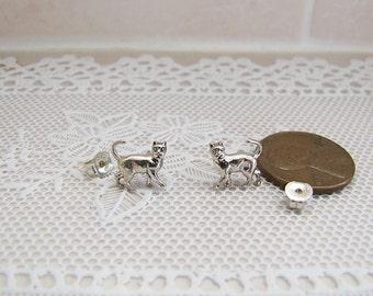 Adorable Vintage Kitten Cat Sterling Silver Stud Earrings