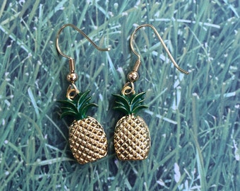 Gorgeous gold pineapple dangle earrings