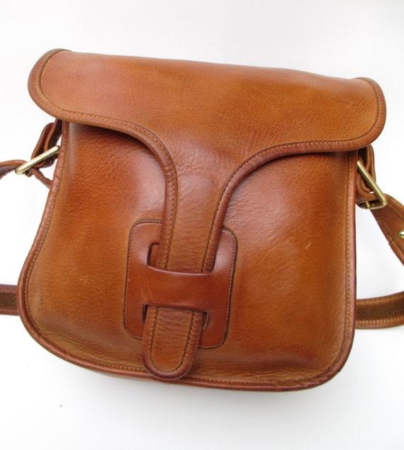 e7e4b81681 Vintage Coach Bonnie Cashin Early 60s 70s Era British Tan Leather Courier  Satchel ...