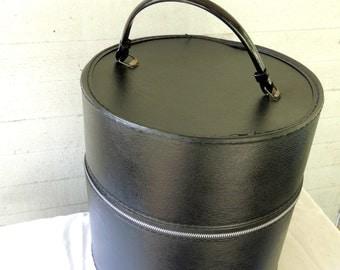 Wig Case - Wig - Table Clamp / Vintage Hat Box / Wig Box / Round Vinyl Wig Case / Travel Case / Storage Case / Round Suitcase