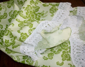 Vintage Round Green White Floral Tablecloth Loop Knotted Fringe