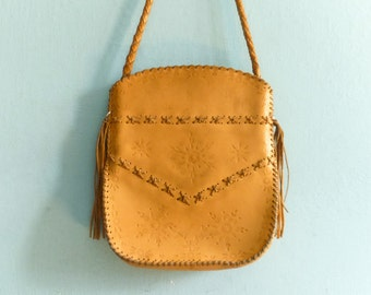 Vintage Tan Leather Tote Bag Purse Shoulder Bag / Folk Hippie Boho Bohemian / 1970s 70s