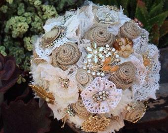 Burlap Brooch Bouquet / rustic brooch bouquet / vintage wedding / burlap and lace wedding bouquet / rustic bridal bouquet / vintage glam