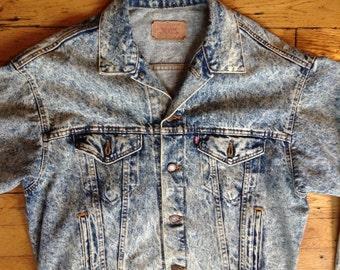 Vintage Levi's USA stone wash denim jacket L