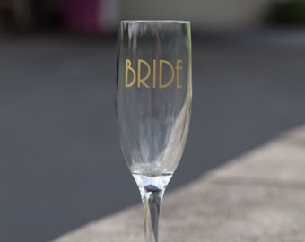 Bride gift idea custom champagne glass, Match your wedding colors.  Bridesmaid gift, maid of honor gift. Art deco wedding idea. Great Gatsby