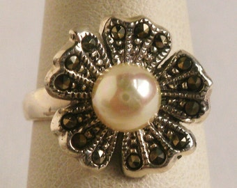 Sterling Silver Pearl Ring=Size 6 5/8
