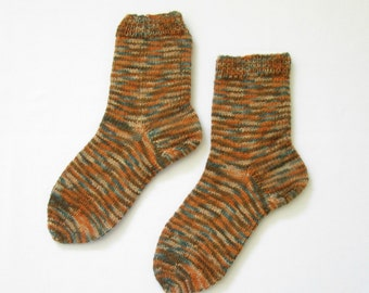 Socks knitted by hand (Women's Size US 6 - 7.5, UK 3.5 - 5, Europe 36 - 38) small size
