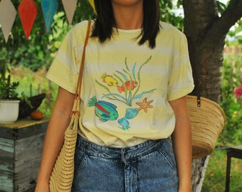 Fishes Print Yellow T-Shirt Top VINTAGE 80s womens top