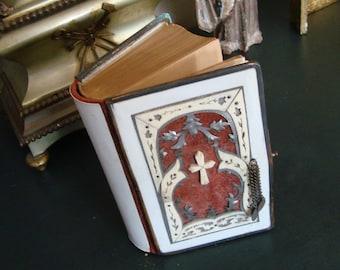 Antique Czechoslovakian Celluloid Bible 1902