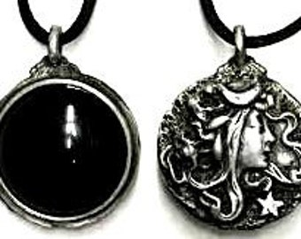 Pewter Goddess Scrying Necklace