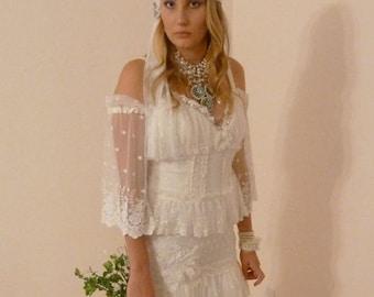 Bohemian Wedding Dress Ivory Lace Boho Hippie Gown with Train