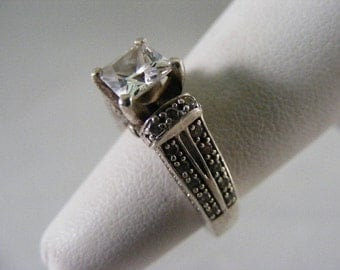 Vintage Cubic Zirconia Princess Engagement Ring in Sterling Silver.....  Lot 4167
