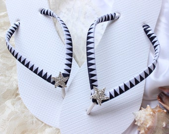Black and White flip flops, beach wedding Sandals, bridal shoes, bridesmaid favor, bridesmaid gift, bridal flip flops, wedding flip flops