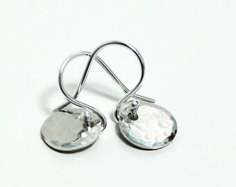 Dainty Silver Earrings ~ Tiny Circle Earrings ~ Sterling Silver Disc Earrings ~ Hammered Earrings ~ Minimal Earrings ~ Handmade Earrings