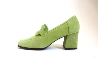 lime green suede pumps / chunky leather heels 6