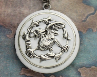 Silver Griffin Locket, Mythical Locket Necklace, Griffin Necklace, Griffin Pendant, Mythical Jewlery, Mythical Necklace