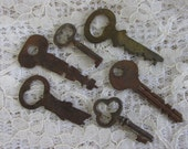 6 Vintage Keys, Steampunk jewelry supplies, journal keys, DIY Jewelry Supply Lot, DIY weddings, rustic metal art, wedding accessories, 33SP
