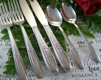 Wedding Cake Forks, MR MRS PERSONALIZED Forks, Bride Groom Sweetheart Table, Vintage Sterling Silver Plated, Sharon by Wallace, Under 35