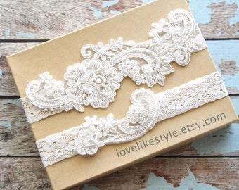 Wedding Garter Set,Light Ivory Pearl Beaded Lace Wedding Garter Set , Ivory Lace Garter Set, Toss Garter , Keepsake Garter  / GT-53IV