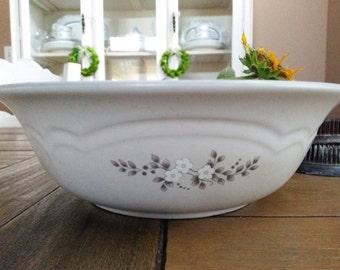 Vintage Pflatzgraff Heirloom Vegetable Serving Bowl