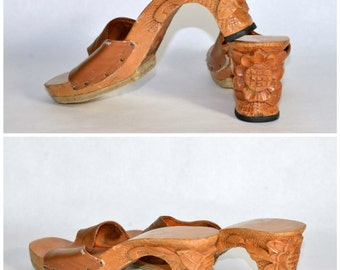 Vintage 40s Carved Wood Asian Floral Slip On Mule/Rockabilly Retro Collectible Display Shoe/Made in Phillippines WWII Souvenir Shoe