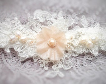 wedding accessories garter - blush garter for bride - lace wedding garter