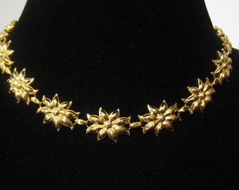 SALE Poinsettia Links in a 1950's  Vintage Floral Gold Tone Necklace.  Choker has 15 Flower Links connected by Book Links.