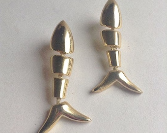80's Large Gold Tone Fish Earrings, pierced, Pisces, original, gold fish, Greece