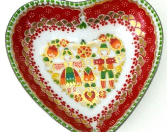Vtg HEART Dish EMAIL Studio STEINBOCK 3in Porcelain Enamel Red Folk Couple Flowers Handmade Austria Artist Signed Ex Cond Be My Valentine