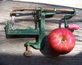 Antique White Mountain Apple Peeler. Vintage Kitchen Decor. Crank Apple Peeler. Cast Iron Peeler. Green Apple Peeler. Applesauce. Apples.