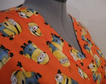 Minion scrub top size large